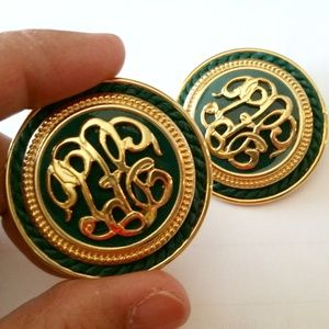 Jewelry - VTG ornate green & gold statement clip-on earrings